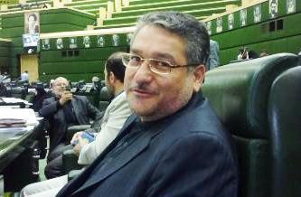 مواضع روحانی مورد تایید اصلاح طلبان است/احمدی نژاد کاندیدا شود پرونده های زیادی باز می شود