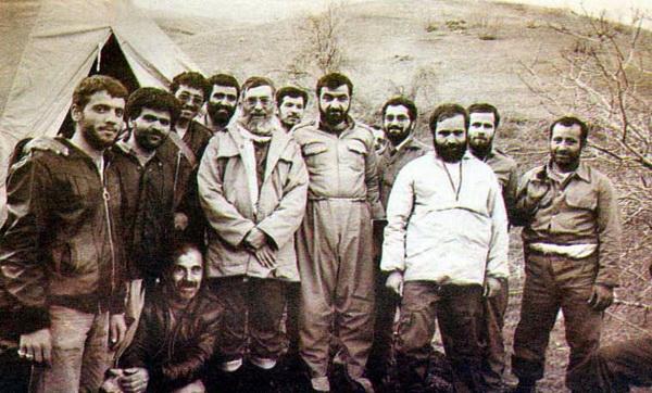 رهبر معظم انقلاب نقش محور اصلی دوران دفاع مقدس را ایفا می کند