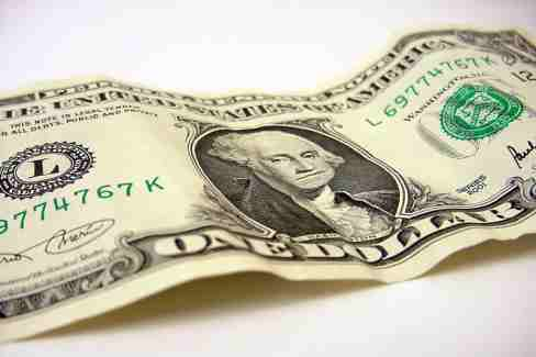 دنیای اقتصاد - افزایش نرخ ارز مرجع به سود چه کسانی خواهد بود؟ سقوط ارزش ریال افزایش نرخ ارز مرجع  کاهش ارزش ریال ریال قدرتمند مردم مصرف کننده دولت و صادر کنندگان تورم ارز آخرین تحولات دلار, آخرین قیمت ارز, آخرین قیمت ارز – متن نیوز, احتمال کاهش قیمت طلا, اخلالگران ارزی, ارز, ارز شناور مدیریت شده, ارز مبادلاتی, ارز مبادله ای, ارز مرجع, ارز مسافرتی, ارز، طلا و سکه, افت شدید قیمت طلا, بازار ارز, بازار سکه و طلا, بازار سکه وطلا, بازار طلا, بازار طلا و ارز, بازار طلا و ارز – متن نیوز, بانک مرکزی جمهوری اسلامی ایران, تحولات دلار, حذف ارز مرجع, حساب ذخیره ارزی, دلار, دلار آمریکا پوند انگلیس فرانک سویس کرون سوئد کرون نروژ کرون دانمارک روپیه هند درهم امارات متحده عربی دینار کویت یکصد ین ژاپن دلار هنگ کنگ ریال عمان دلار کانادا راند آفریقای جنوبی لیر ترکیه روبل روسیه, سکه تمام طرح جدید سکه تمام طرح قدیم نیم سکه ربع سکه سکه گرمی هرگرم طلای 18 عیار هر گرم طلای 24 عیار قیمت اونس جهانی طلا مثقال طلا در بازار تهران, طلا, طلا و سکه, قیمت ارز, قیمت اونس جهانی طلا مثقال طلا در بازار تهران هر گرم طلای 18 عیار هر گرم طلای 24 عیار, قیمت جهانی طلا, قیمت یورو در بازار آزاد, مالیات بر ارزش افزوده, مرکز مبادلات ارزی, نرخ ارز, نرخ رسمی ارز, نرخ رسمی ارز , نرخ رسمی طلا, نرخ مرجع, نوسانات نرخ ارز, پوند, کاهش ارزش ریال, کاهش قیمت طلا