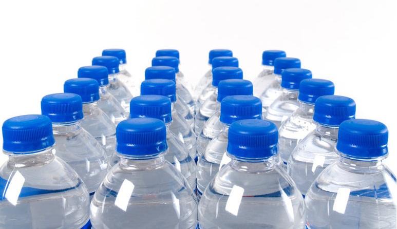 سهام بخریم یا پدیده شاندیز؟!/ بعد از شیر پالمی، آب معدنی فلورایدی!