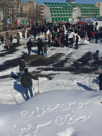 جشنواره آدم برفی در شهر توریستی سرعین