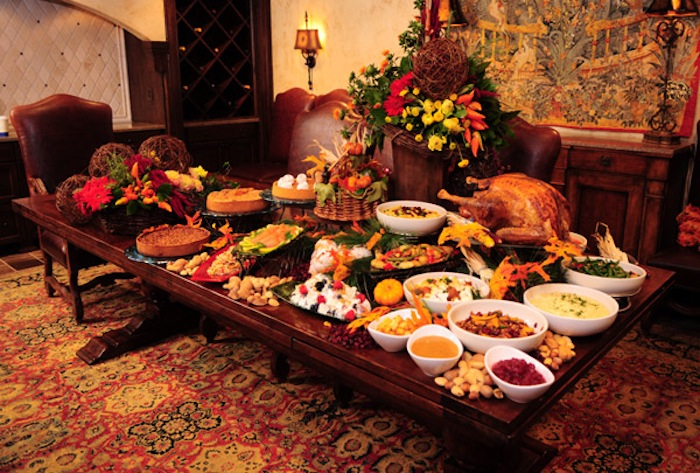 Thanksgiving Day (روز شکرگزاری ) سنتی برگرفته از سرخپوستان در امریکا