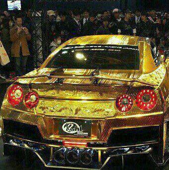 اتومبیل شرکت نیسان از جنس طلا