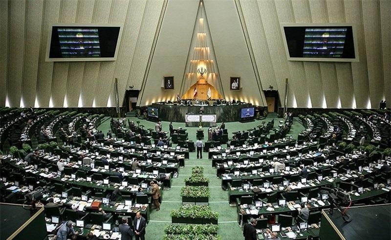 وال استریت مجلس و استیضاح نمایندگان توسط مردم