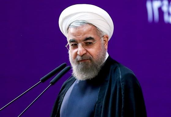 روحانی با کدام سابقه از آزادیهای سیاسی سخن میگوید؟!