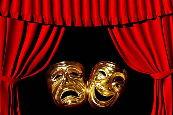 از سیاست تا خانواده روی صحنه تئاتر