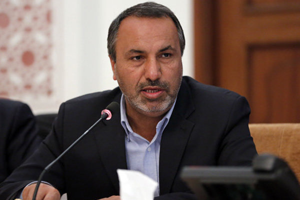 آذری جهرمی جوان نخبه و پرتوان است/ گزینه مناسب برای وزارت ارتباطات