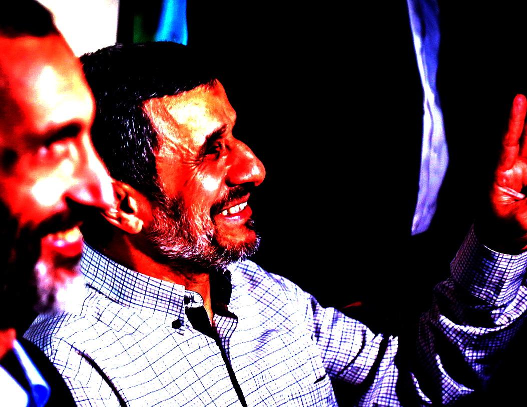 آقای احمدینژاد! دور باطل زدن در چاه غفلت، شایسته نیست