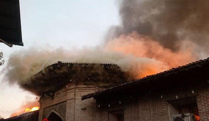 حریق به جان بازار نرگسیه افتاد مسجد جامع ساری آتش گرفت