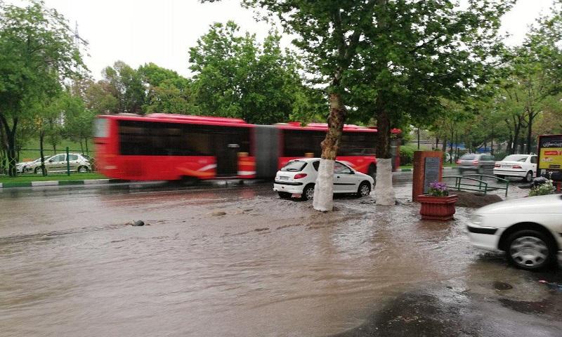 نوروز 98 و دو باران؛ باران آسمان و باران مهربانی مردم ایران