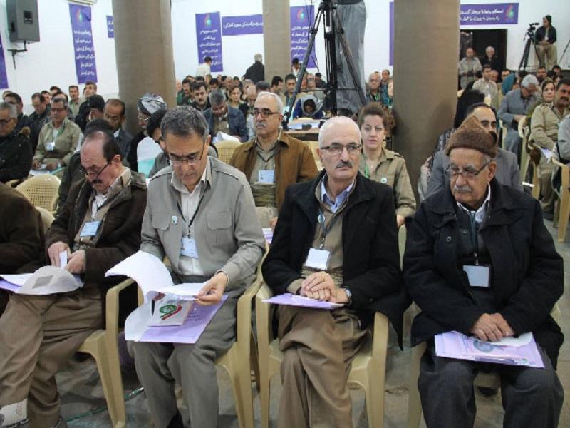 مصطفی هجری سرکرده گروهک تروریستی دمکرات به اردوگاه بازگشت