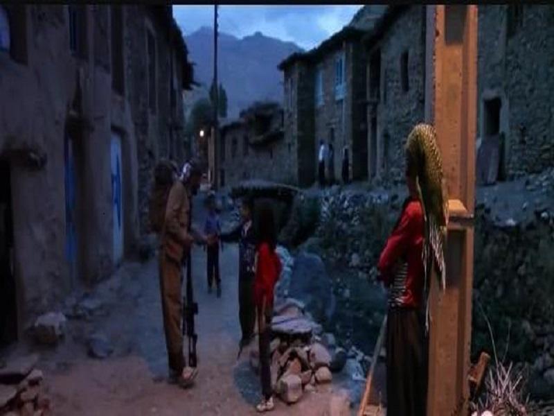 حضور تروریستهای تا دندان مسلح حزب دمکرات و رعب و وحشت کودکان روستاهای مرزی+ تصاویر
