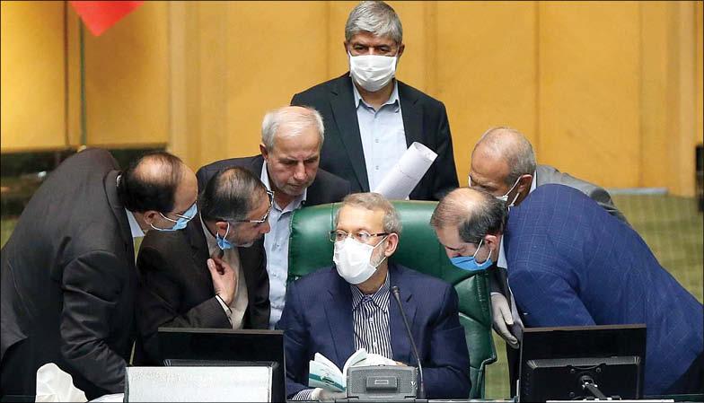 کشمکش رئیس و نمایندگان بر سر بازنشستگان