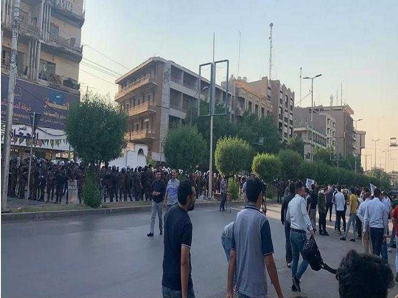 تصاویر/ تدابیر شدید امنیتی مقابل سفارت فرانسه در بغداد