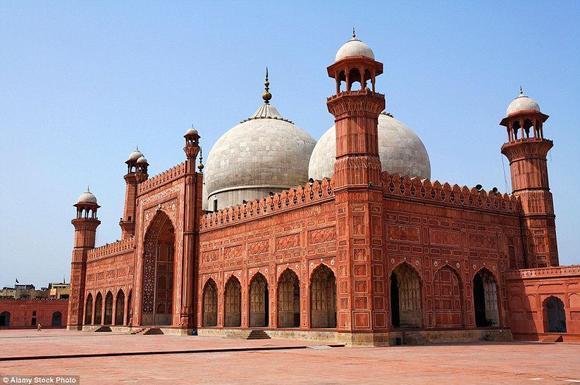 مسجد بادشاهي في باكستان