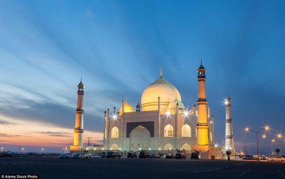 مسجد فاطمة الزهراء في الكويت