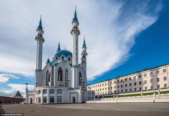 مسجد غول شريف في روسيا