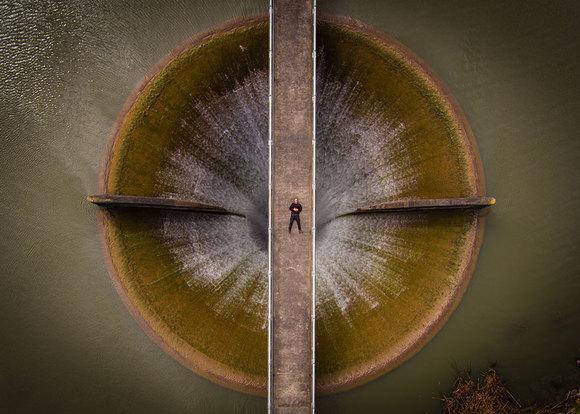 2. سلفی در قسمت تخلیه سد | برنده مقام دوم عکاسی زیبا در بخش حرفه ای
