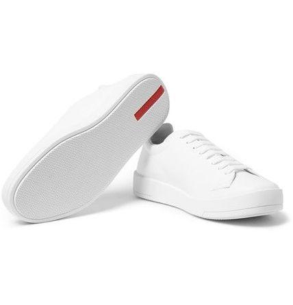Keds در سال 1916 تاسیس شد. این یک برند کفش آمریکایی است که کفشهایی با کفی لاستیکی ارائه میکند. اکثر مردم آنها را به نام