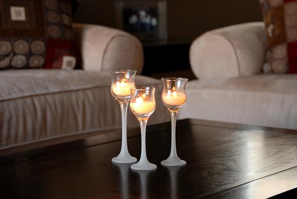 شمع ها!! شمع بینهایت در طراحی و تزیین دکوراسیون داخلی اهمیت دارد. برای استفاده از شمع ها حتما