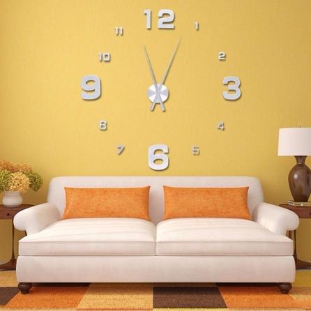 ساعت و تابلو!! از تابلوهای طرح مینیمال  یا از چند تابلوی کوچک کنار هم که هارمونی هماهنگی با هم دارند ، استفاده کنید. این روزها ساعت های بزرگ جای تابلو ها را گرفته اند که ایده جالبیست. سعی کنید از ساعت های رومیزی در پذیرایی استفاده نکنید. جای ساعت های رومیزی در اتاق های خانه است.