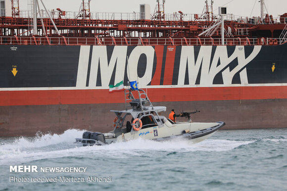 عکس/ نفتکش توقیف شده انگلیسی